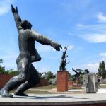 Martyrs_Monument_Ostapenko_and_Captain_Steinmetz_statues_at_Memento_Park