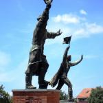 Ostapenko_and_Captain_Steinmetz_statues_Kerenyi_Jeno_1958_Memento_Park